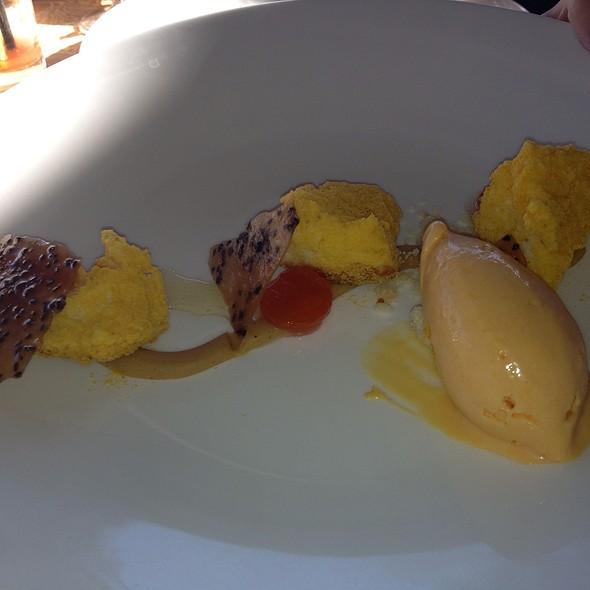 Desserts @ Auberge du Soleil
