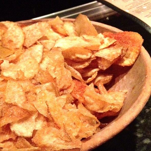 Homemade Potato Chips - Smitty's Grill, Pasadena, CA