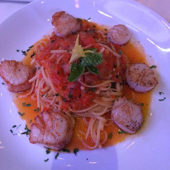 Pasta & Scallops In Yellow Tomato Sauce @ Dubrovnik Restaurant