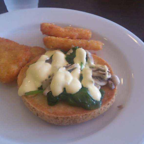 Focaccia with field mushrooms, hashbrowns and hollandaise sauce @ Cafe Bond