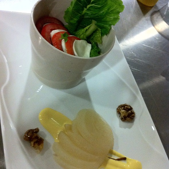 Tomato Mozzarella @ Woodside Restaurant @ Parkyard Hotel Shanghai