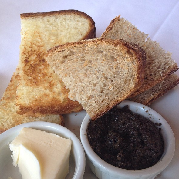 Bread Basket - Joe's Restaurant, Venice, CA