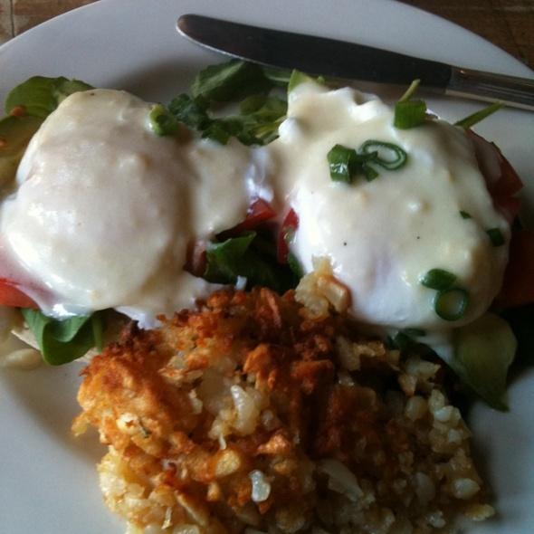 "Eggs Florentine ""Dave's way"" @ The Grove Fillmore"