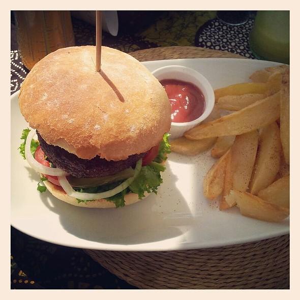Vegan Burger @ Leafy Greens Cafe