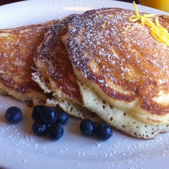 Lemon And Ricotta Pancakes @ Sugar Baking Co & Restaurant