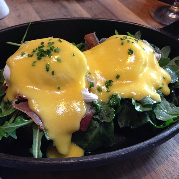 Eggs Benedict - Manhattan Beach Post, Manhattan Beach, CA