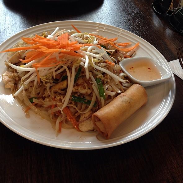 Pad Thai with Chicken @ Satang Thai Cuisine
