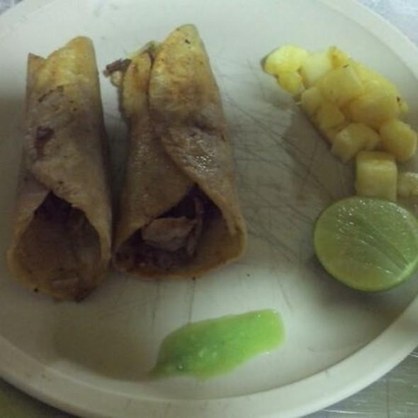 Tacos Dorados De Pastor