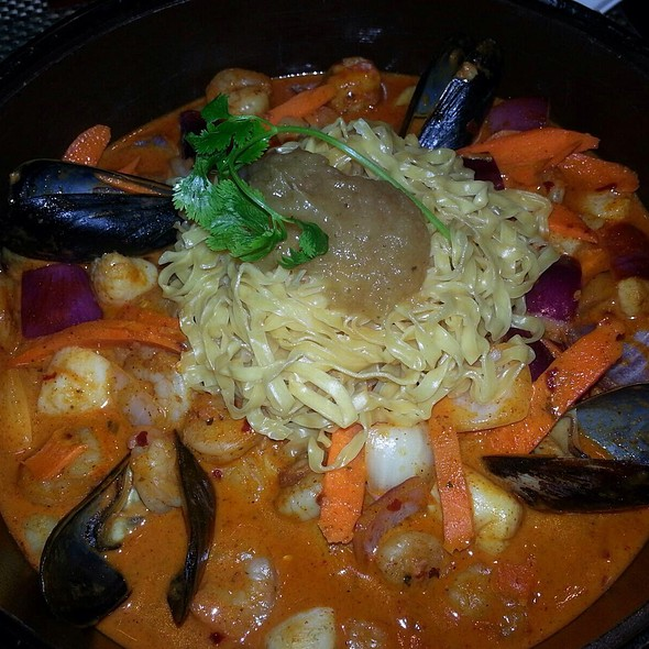Seafood Noodle Pot - Islands Dining Room at Loews Royal Pacific Resort, Orlando, FL