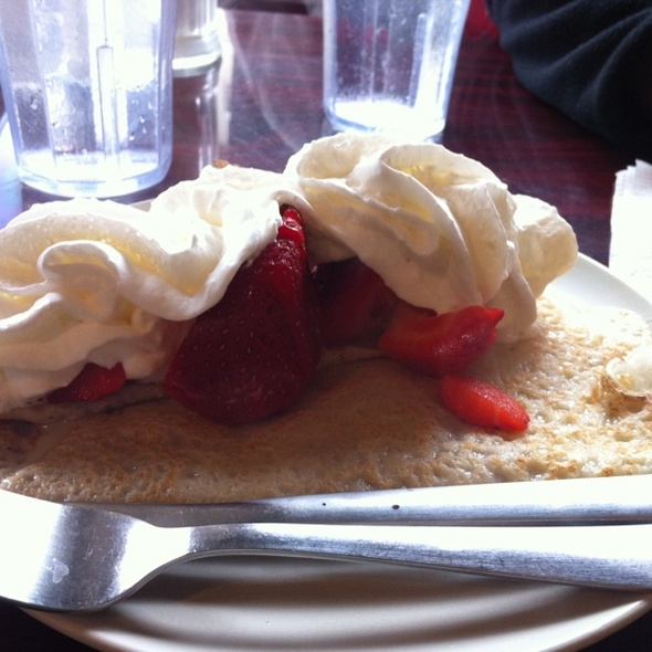 Strawberry & Whipped Cream Crepe @ saley