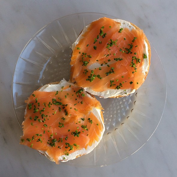 Nigella Bagel With Smoked Salmon, Cream Cheese, And Chives @ 20th Century Cafe