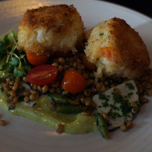 Dungeness Crab Cakes