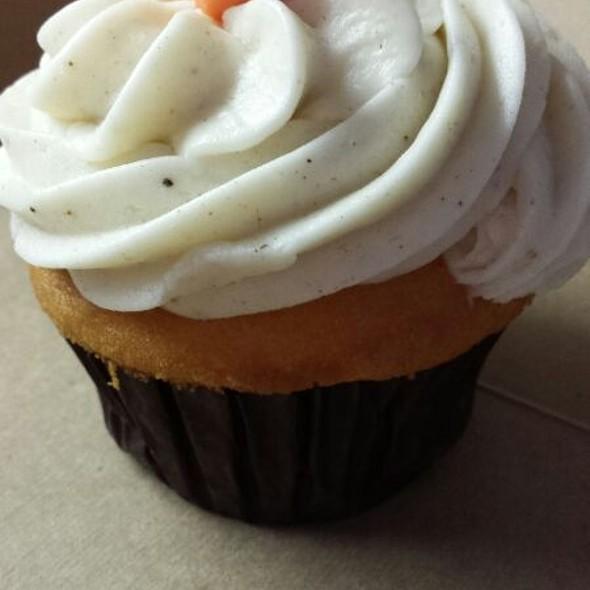 Pumpkin Spiced Cupcake @ Hey Cupcake!