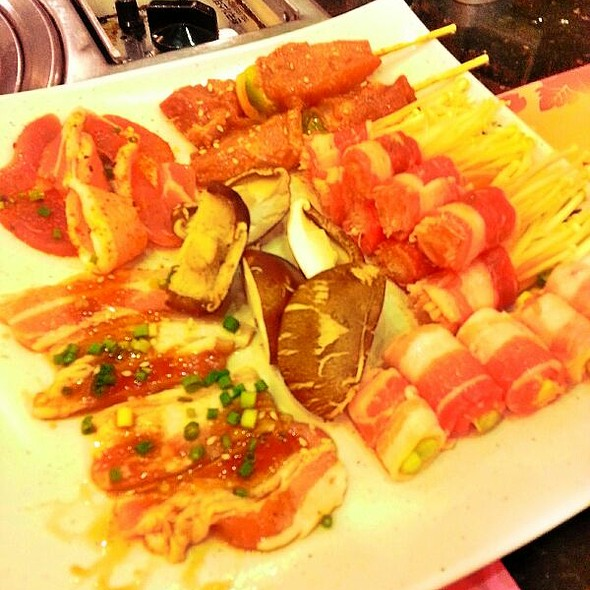 All-You-Can-Eat Asian Buffet @ Yakimix, Mall Of Asia