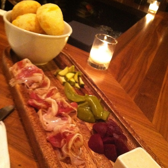 Cheese Bread Plate - Niche, Clayton, MO
