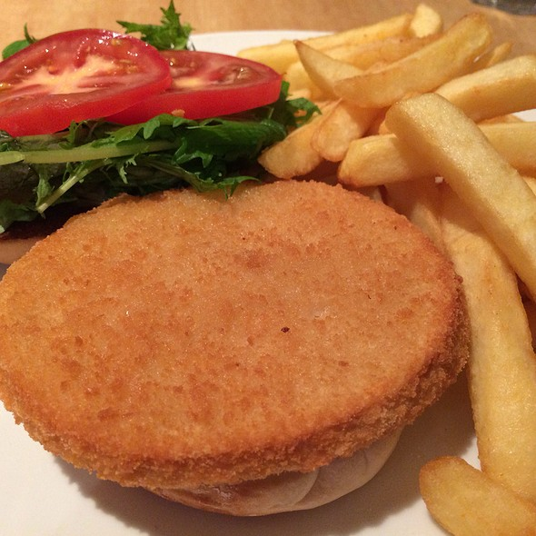 Chicken Burger And Fries @ Cafe Sofia