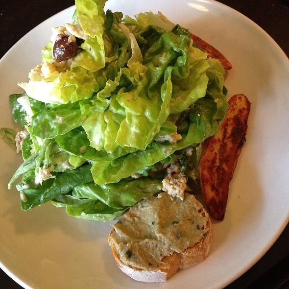 Niçoise salad @ Le Grand Bistro & Oyster Bar