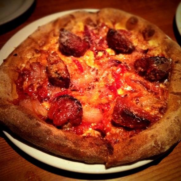 Fireside Meatballs Pie @ Fireside Pies