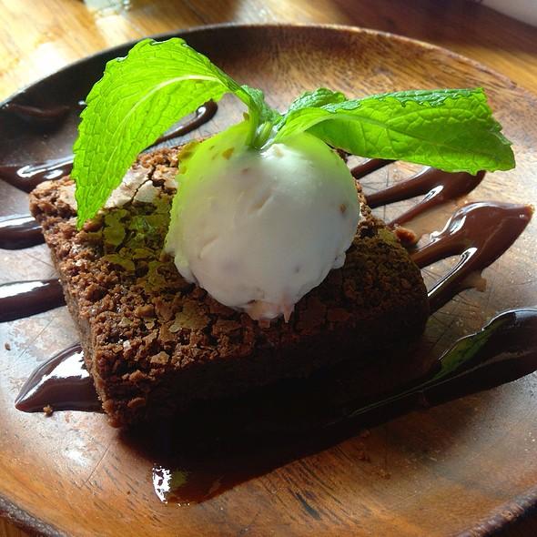 Pastel De Chocolate @ De Cero Taqueria