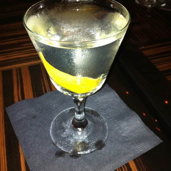 Dry Plymouth Martini @ The Tar Pit