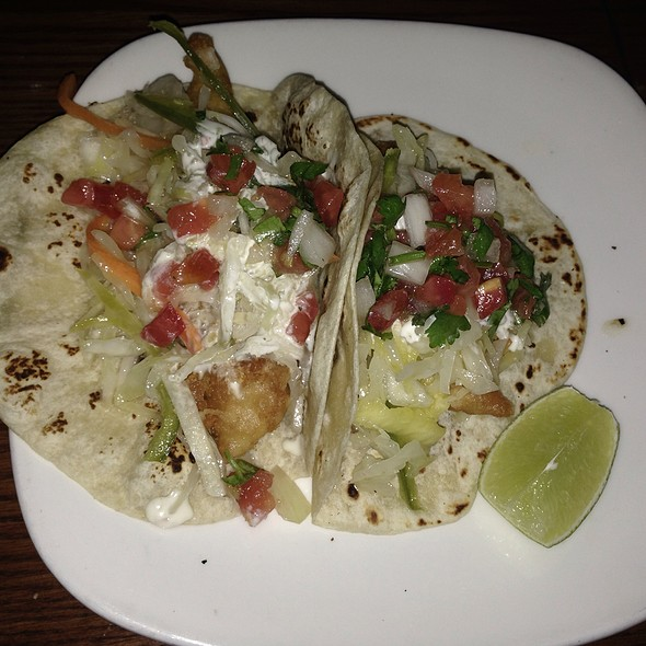 Tacos A La Perla