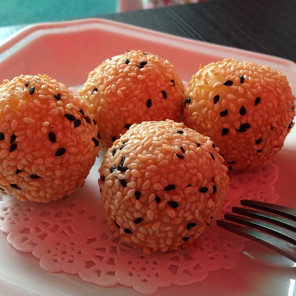 Lau Sar Balls