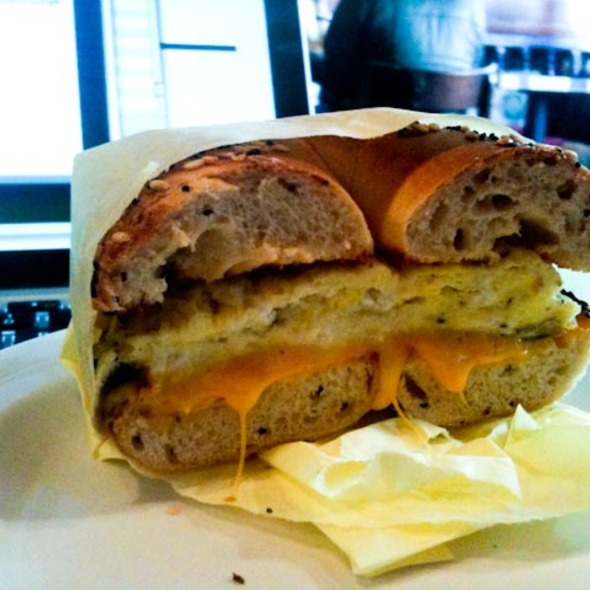 Bagel with Cheese and Mushroom