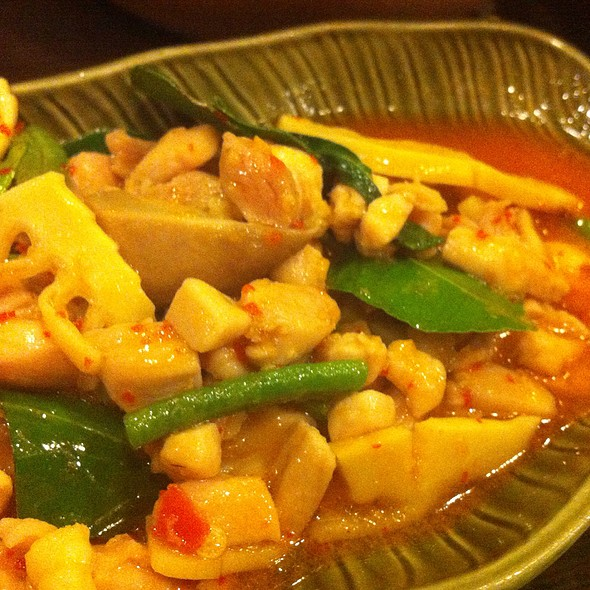 Chicken With White Basil