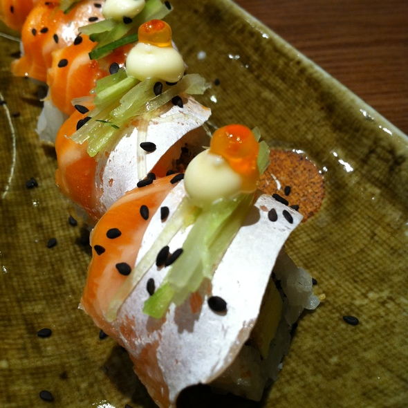 Salmon Belly Maki @ Sushi Zanmai Fahrenheit 88
