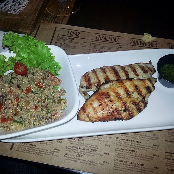 Grilled Chicken & Quinoa