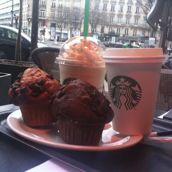 Starbucks  @ Starbucks Coffee Champs Elysées