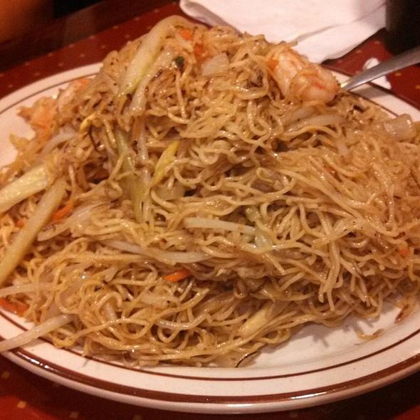 Shrimp Lo Mein @ Rose Garden