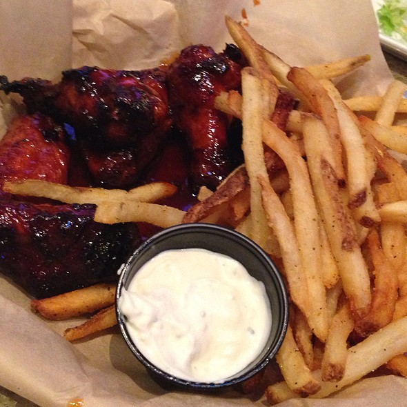 Habanero Bbq Wings With Fries at Taco Mac South Park