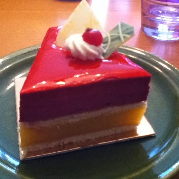 Raspberry Mango Mousse Cake @ Vuissoz