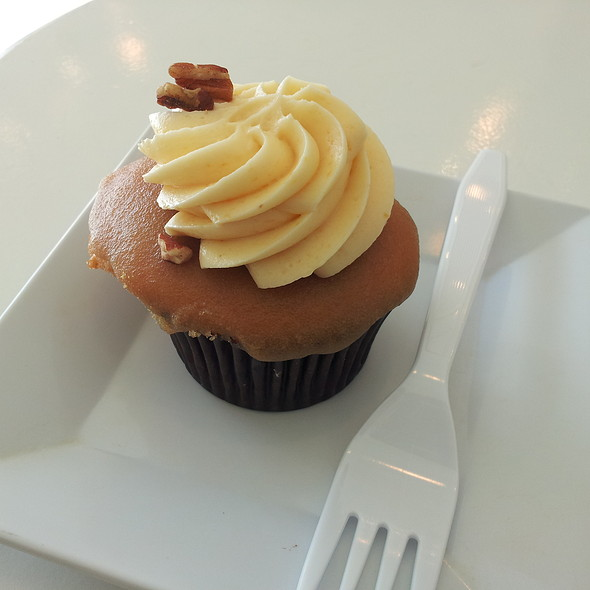 """Honestly Perfect"" Cupcake @ Rise Cupcakes"