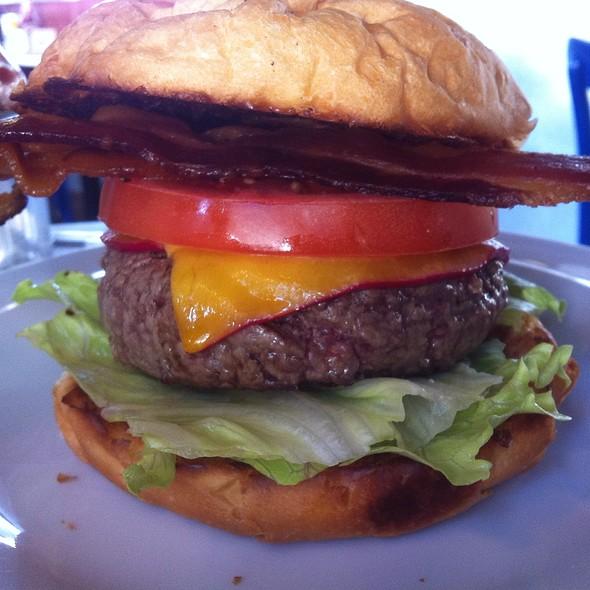 BLT Burger @ Meats