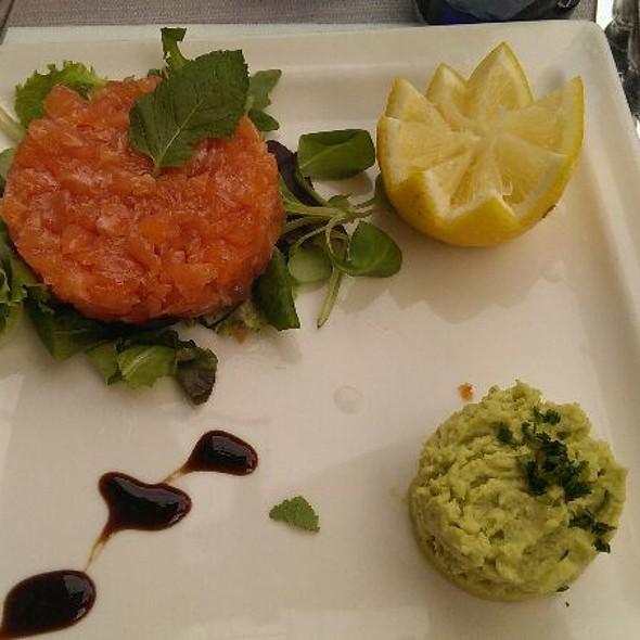 Salmon Tartare @ Bella Vita