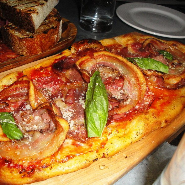 The Salty Pig Pizza