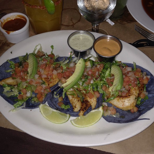 Mole restaurante mexicano menu new york ny foodspotting for Flounder fish tacos