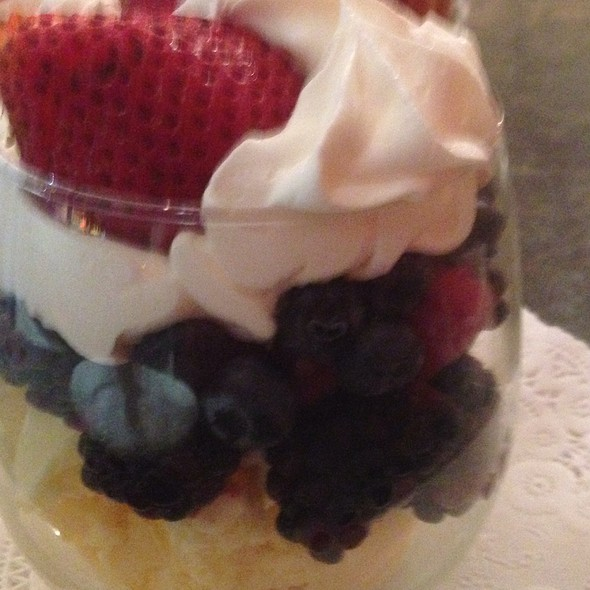 Berries And Ice Cream  - Wilmette Chop House, Wilmette, IL