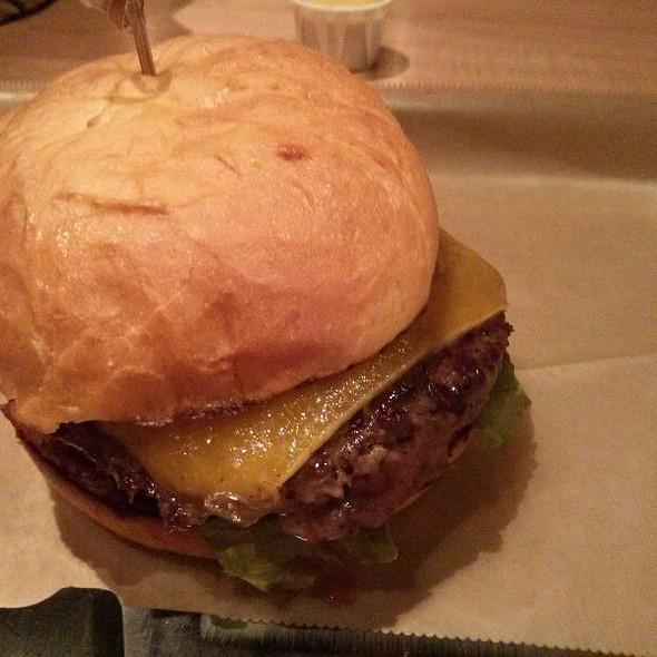 Classic Burger @ Hopdoddy Burger Bar North