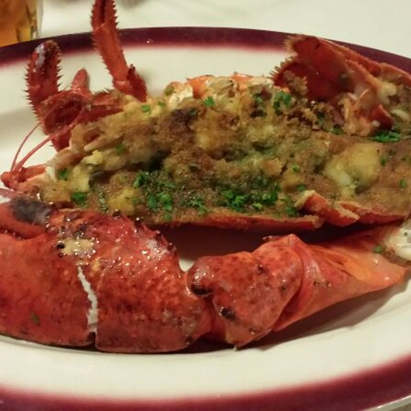 Broiled Lobster @ Lobster Trap