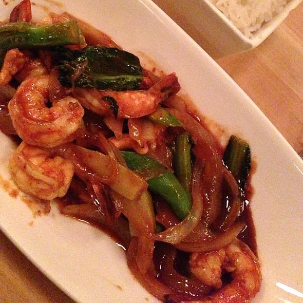 Wok Cashew Nut With Shrimp @ Land Thai Kitchen
