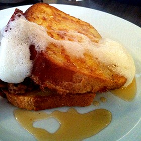 Brioche French Toast With Beer Foam And Maple Syrup - Restaurant EVOO