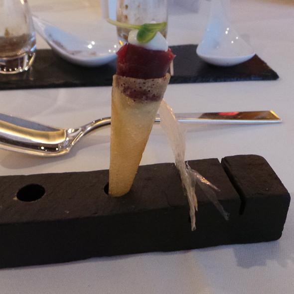 Cornetto with Beef, Dashi Chip @ Steinheuers Restaurant