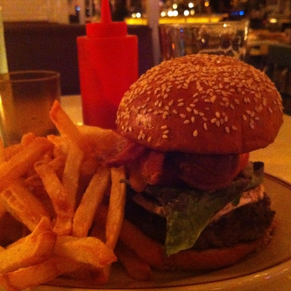 Bacon Cheese Burger @ The Bowery Diner