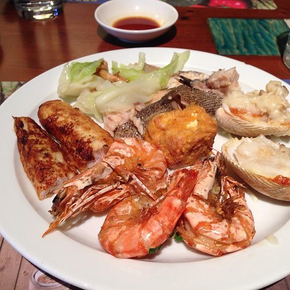 Fried Shrimps And Clams @ 海港餐廳 漢來大飯店 43F Harbour Restaurant