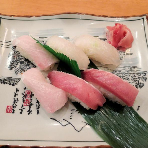 Nigiri Sushi @ wamiya