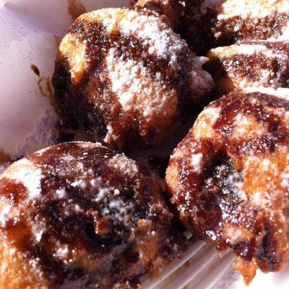 Deep Fried Oreos @ Ugly Banjos