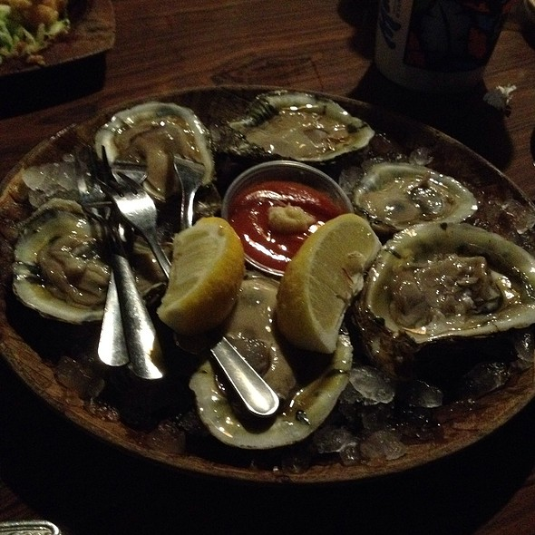Oysters @ Bob Chinn's Crabhouse